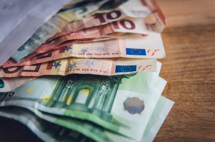 Zadluženost Čechů pomalu, ale jistě narůstá
